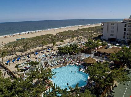 A beautiful vacation scene along the beach at Ocean City