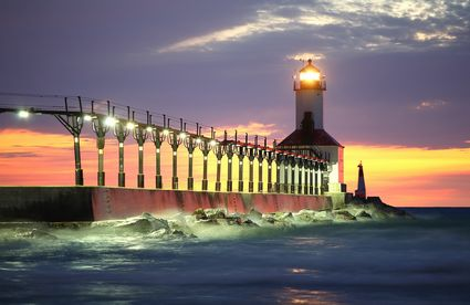 Photo Michigan City Lighthouse in Michigan City - Pictures and Images of Michigan City - 425x276  - Author: Editorial Staff, photo 1 of 3