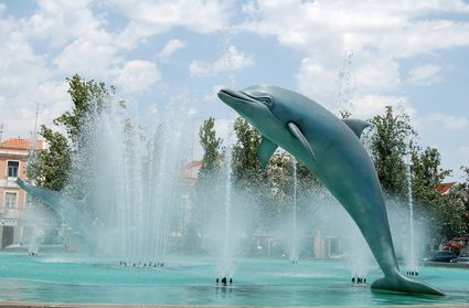 Photo Dolphin fountain in Setubal - Pictures and Images of Setubal