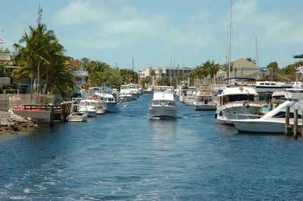 Photo Key Largo Canals in Key Largo - Pictures and Images of Key Largo - 425x283  - Author: Editorial Staff, photo 2 of 6