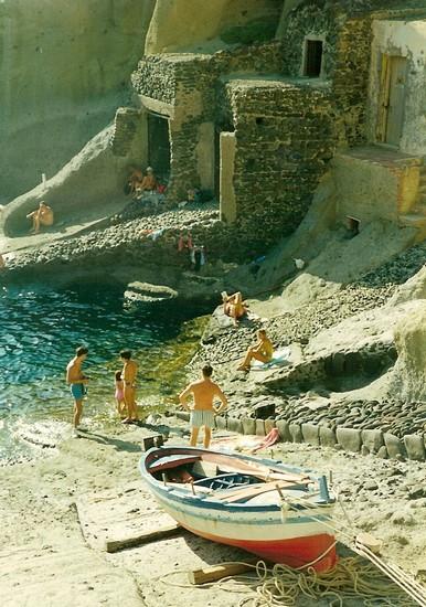 Foto Villaggio di pescatori a Isola di Lipari - 386x550  - Autore: Annalisa, foto 6 di 85