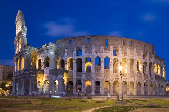 Photo roma il colosseo in Rome - Pictures and Images of Rome - 550x366  - Author: Editorial Staff, photo 1 of 996