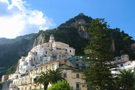 Foto Veduta di Amalfi vista monti a Napoli - 550x369  - Autore: Alicia, foto 3 di 395