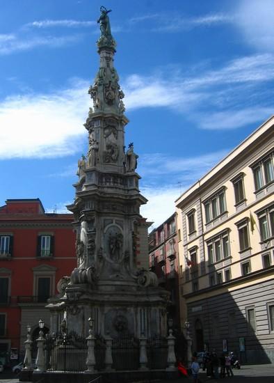 Foto Piazza del Gesù a Napoli - 394x550  - Autore: Alicia, foto 3 di 300