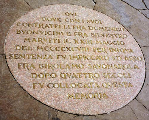 Photo firenze placca che indica il punto di morte di girolamo  savonarola in Florence - Pictures and Images of Florence - 500x403  - Author: Rosalinda, photo 2 of 558