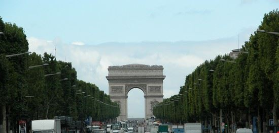 16873 parigi l arch du triomphe e gli champs elysee