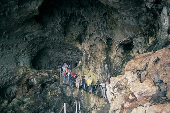 Grotta zinzulusa a castro for Quanto costa un uomo in grotta