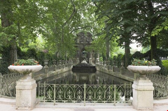 17768 parigi jardin du luxembourg