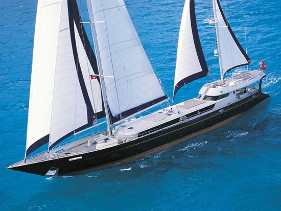 Foto crociera su navetta a vela a fiumicino 550x413 for Catamarani di lusso