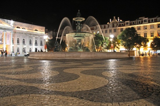 Photo lisbona rossio in Lisbon - Pictures and Images of Lisbon - 550x366  - Author: Editorial Staff, photo 3 of 423
