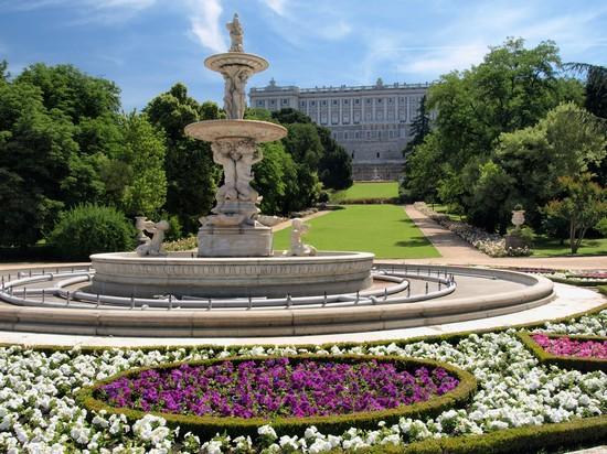 Foto i giardini reali a madrid 550x412 autore redazione foto 7 di 406 - Jardines palacio real madrid ...