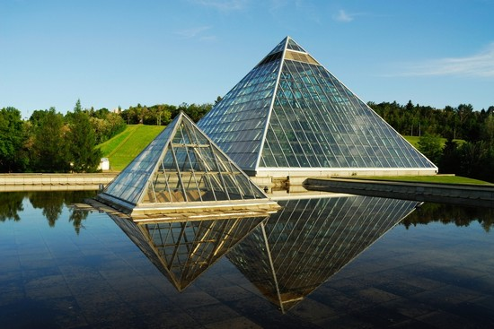 Photo Muttart Conservatory in Edmonton - Pictures and Images of Edmonton - 550x367  - Author: Jò, photo 1 of 33