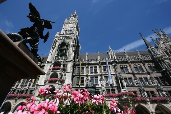 NEW TOWN HALL a MUNICH