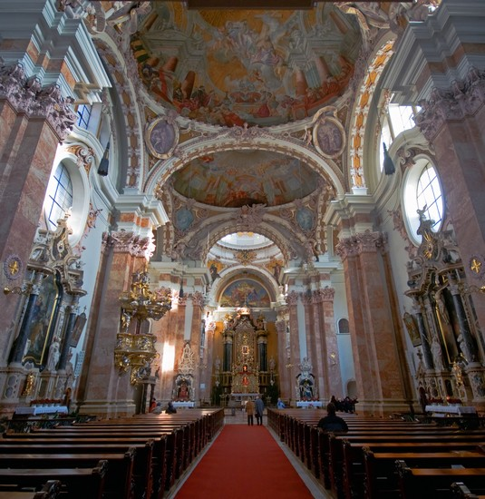 Photo Cathedral of St. James in Innsbruck - Pictures and Images of Innsbruck - 535x550  - Author: Jò, photo 1 of 100