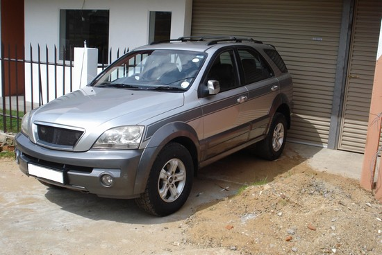 Photo 4x4 SUV Rentals in Colombo - Pictures and Images of Colombo - 550x368  - Author: SR Rent A Car, photo 4 of 35