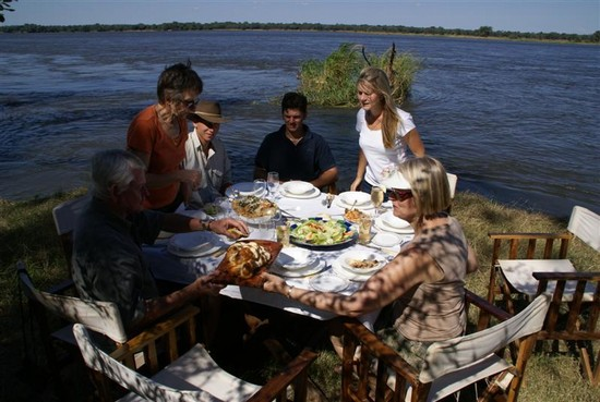 Photo Lunch at the River Camp in Lusaka - Pictures and Images of Lusaka - 550x369  - Author: Vintage Africa Safaris, photo 3 of 15