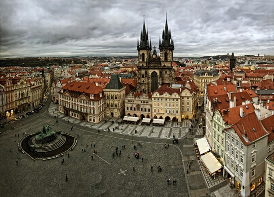 Prague old town travel pinterest for Prague square