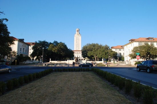 Photo University of Texas at Austin  in Austin - Pictures and Images of Austin - 550x367  - Author: Laalamani, photo 1 of 14