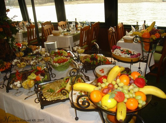Photo budapest dinner e cruise with live music in Budapest - Pictures and Images of Budapest