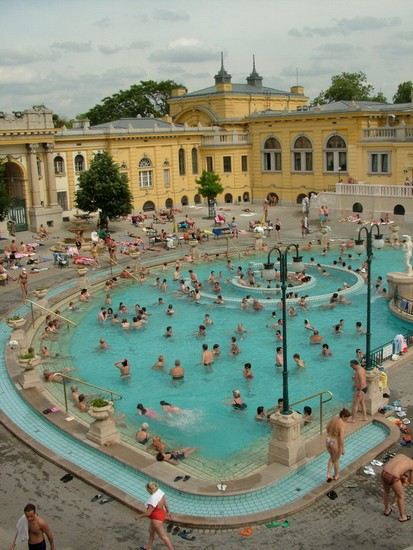 Photo Szchenyi Bath in Budapest - Pictures and Images of Budapest 