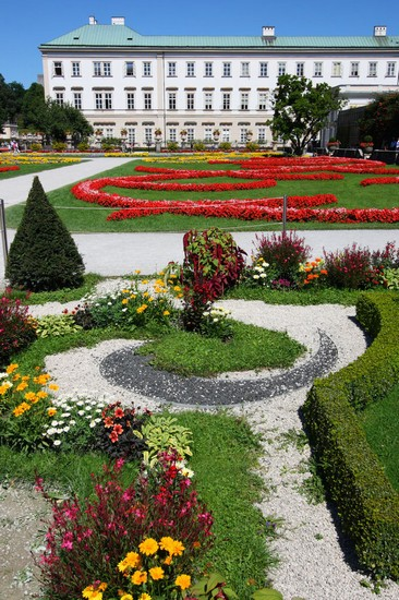 Photo Mirabell Palace and Gardens in Salzburg - Pictures and Images of Salzburg - 366x550  - Author: Laalamani, photo 1 of 102