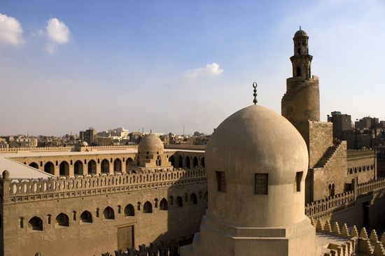 Photo Mosque of Ibn Tulun in Cairo - Pictures and Images of Cairo - 550x366  - Author: Editorial Staff, photo 2 of 169