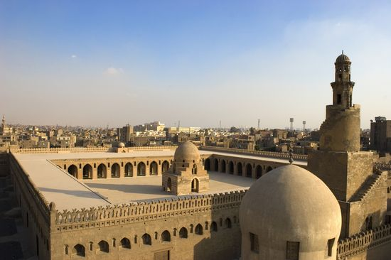 Photo Mosque of Ibn Tulun in Cairo - Pictures and Images of Cairo - 550x366  - Author: Editorial Staff, photo 3 of 136