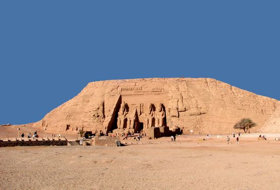 Photo Temple of Abu Simbel in Aswan - Pictures and Images of Aswan - 550x374  - Author: Editorial Staff, photo 3 of 14