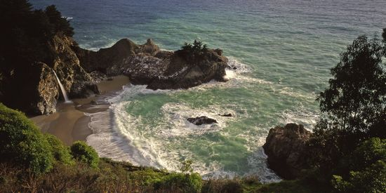 JULIA PFEIFFER BURNS STATE PARK  a BIG SUR