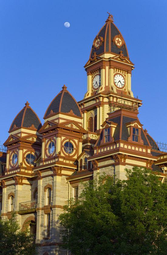 Lockhart (TX) United States  city photo : Lockhart Travel Guide: Useful information to visit Lockhart. 1 Reviews