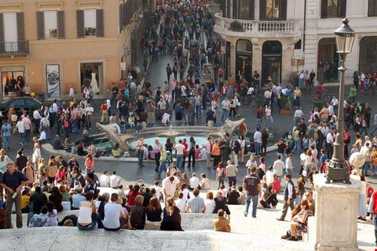 23591 rome place d  espagne et via condotti