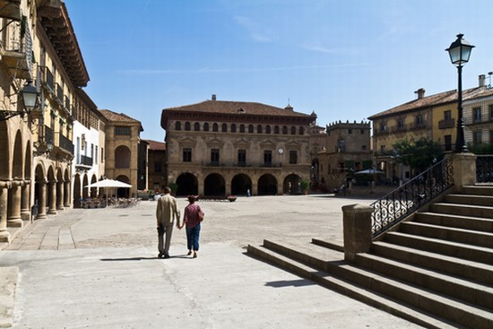 Foto barcelona el poble espanyol a barcellona 550x367 for Ostelli a barcellona consigli