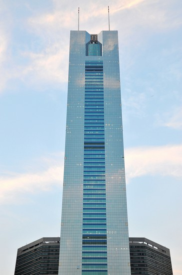 Photo guangzhou citic center in Guangzhou - Pictures and Images of Guangzhou - 365x550  - Author: Lena, photo 1 of 9