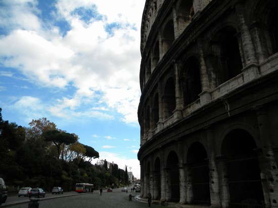 Photo colosseo roma in Rome - Pictures and Images of Rome - 550x412  - Author: Antonino, photo 22 of 993