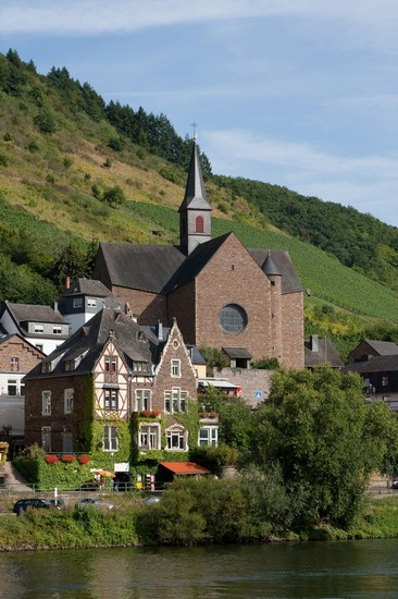 Photo ein blick ueber die mosel fachwerkhaus und kirche cochem in Cochem - Pictures and Images of Cochem 