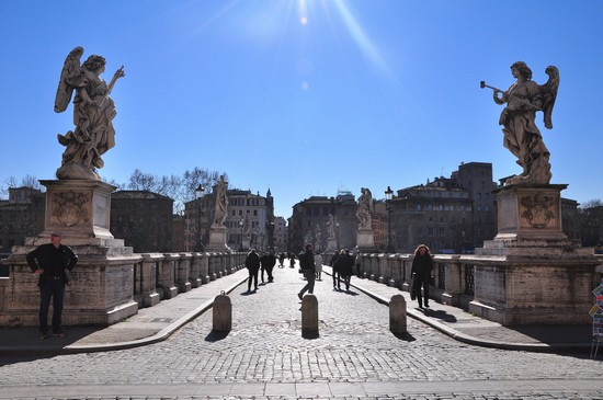 Photo ponte sant angelo roma in Rome - Pictures and Images of Rome - 550x365  - Author: Matteo, photo 4 of 1076