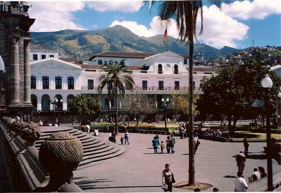 Photo quito plaza grande quito in Quito - Pictures and Images of Quito