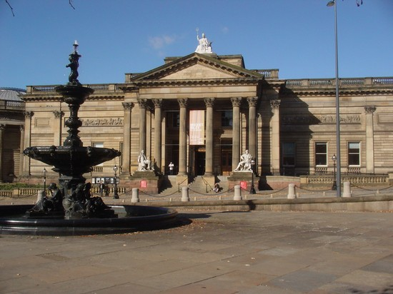 Photo walker art gallery in liverpool in Liverpool - Pictures and Images of Liverpool - 550x412  - Author: Editorial Staff, photo 1 of 24