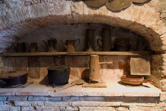 27573 lucca strumenti museo del castagno