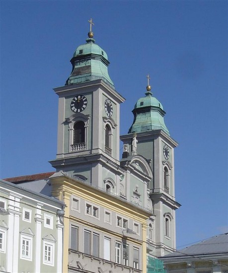 Photo linz alter dom linz in Linz - Pictures and Images of Linz - 459x550  - Author: Anna, photo 1 of 23