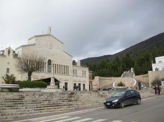 Foto Santuario Santa Maria delle Grazie a San Giovanni Rotondo - 550x411  - Autore: Gaetano Francesco, foto 7 di 31