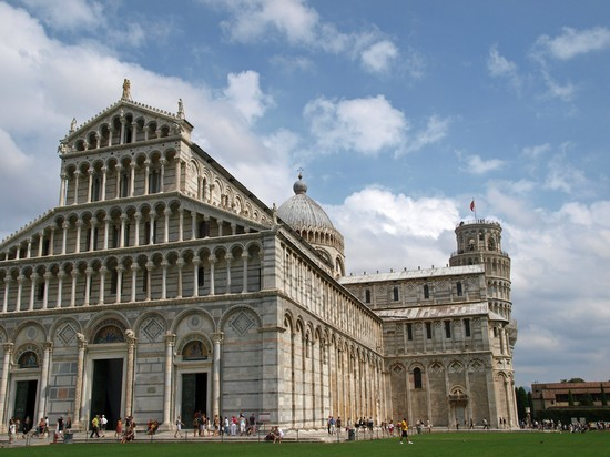 Photo pisa duomo santa maria assunta in Pisa - Pictures and Images of Pisa - 550x412  - Author: Virginie, photo 1 of 336