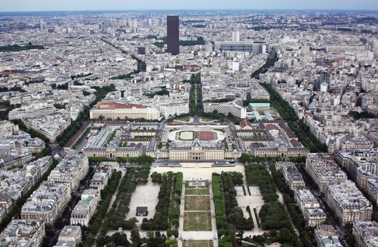 Photo parigi parigi vista dalla tour eiffel in Paris - Pictures and Images of Paris - 550x359  - Author: Editorial Staff, photo 1 of 696