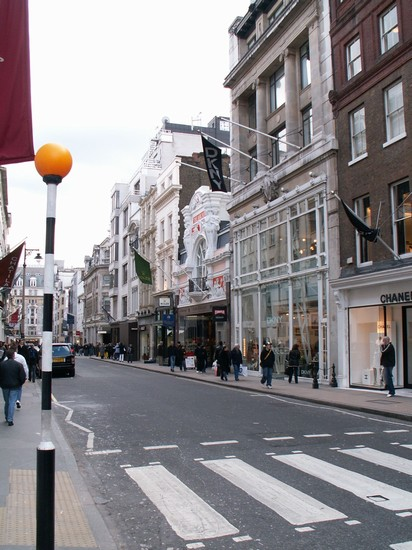 Photo londra bond street in London - Pictures and Images of London - 412x550  - Author: Editorial Staff, photo 1 of 800