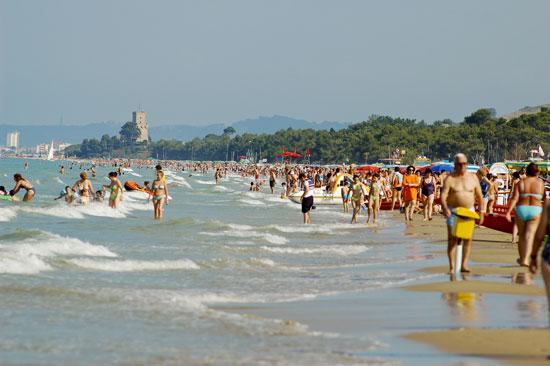 Foto La spiaggia di Pineto a Pineto - 550x366  - Autore: Redazione, foto 2 di 14