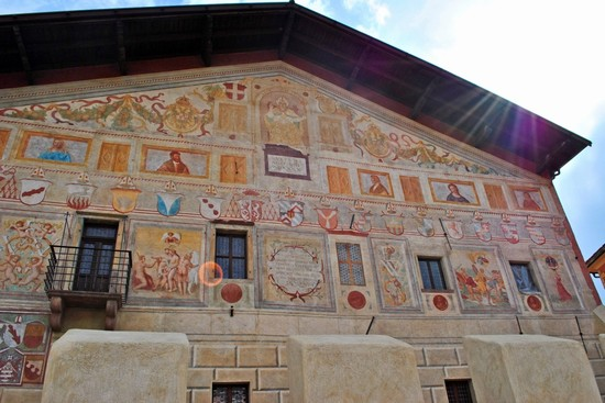Cavalese, Palazzo della Magnifica Comunità Generale di Fiemme (www.paesionline.it)