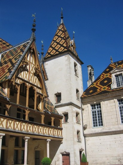 Photo beaune beaune in Beaune - Pictures and Images of Beaune - 412x550  - Author: Editorial Staff, photo 1 of 6