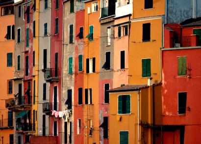 Foto Caratteristiche case colorate a Portovenere - 410x293  - Autore: Redazione, foto 2 di 49
