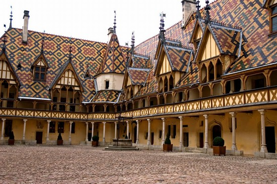 Photo beaune beaune in Beaune - Pictures and Images of Beaune - 550x365  - Author: Editorial Staff, photo 1 of 6