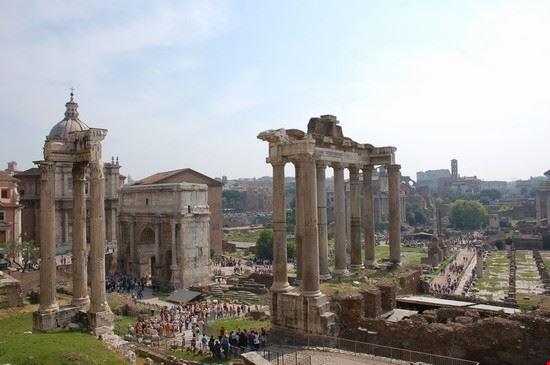 33684 rome le forum romain